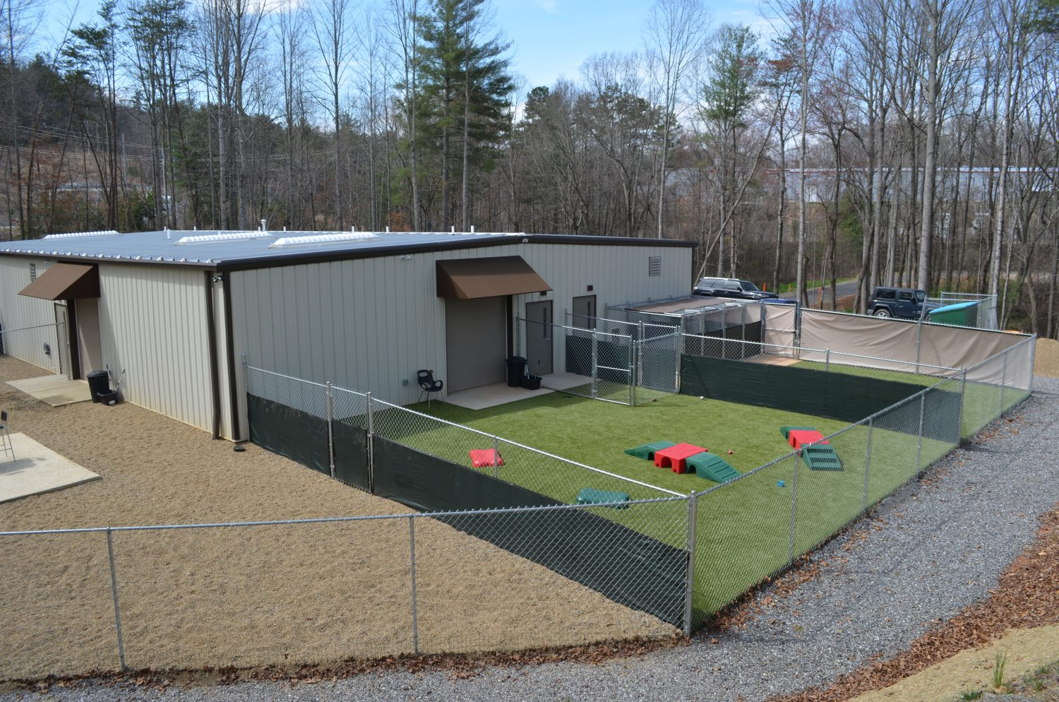 Locations – Happy Tails Country Club – Asheville & Fairview ...